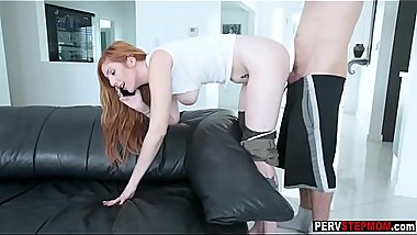 Busy MILF stepmom swallowed a dirty stepsons big cock