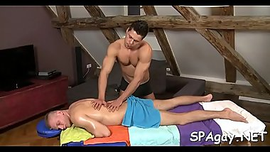 Sensual and pleasuring homo massage session