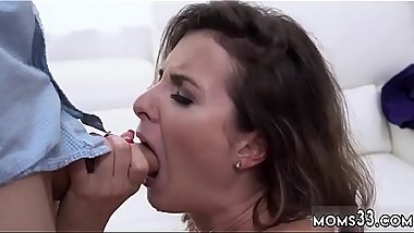 Milf eating and boss&#039_s daughter catches mom milfcompeer anal Fucking
