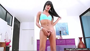 TS Guilhermina enjoys solo masturbating