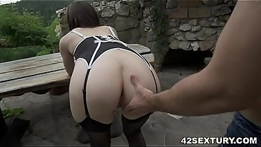 Balls deep anal sex with Linda Love