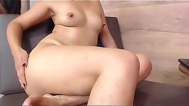 Hot Big Ass CamGirl squirts from Dildo fucking riding more on realwhores.tk