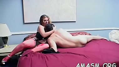 Needy woman likes facesitting man in dirty porn modes