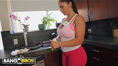 BANGBROS - Hot Latina Maid Marta La Croft Gargles On Huge Cock