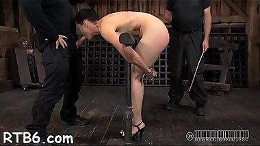 Beauty'_s anal punishment made her squirts out shit uncontrollably