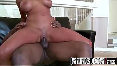(Zoey Holiday) - Holiday Yoga - MOFOS