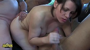 Group of 8 fucking in the living room of house. Young and old, chubby brunette lesbians and thin blondes.