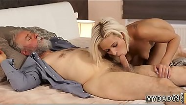 Teen nice ass hd and italian dad chum'_ friend'_s daughter first time