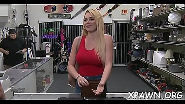 Fine tight body is getting exposed in reality clip in shop