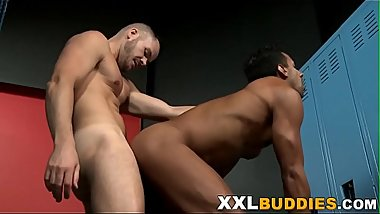 Hunk slammed with bbc