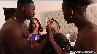 maggie green gets double penetration FIONALIVE.COM